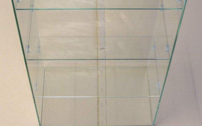 стеклянные витрины, торговое оборудование из стекла продам в