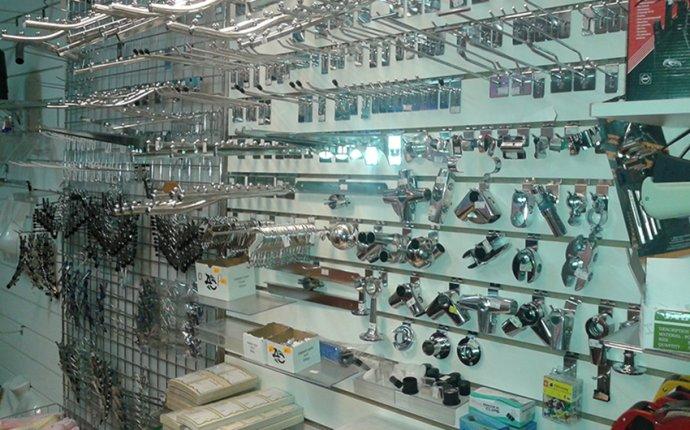 Торговое оборудование для магазинов в Нижнем Новгороде